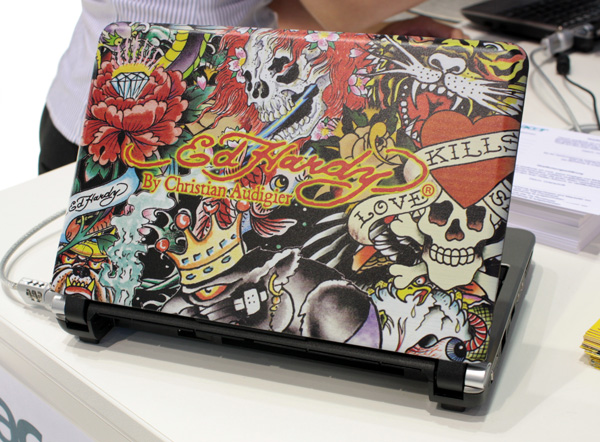 Cover tatuata del netbook Acer Aspire One Ed Hardy